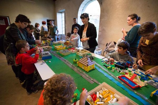 Briques Lego ® Ville du futur © Alex Nollet - La Chartreuse